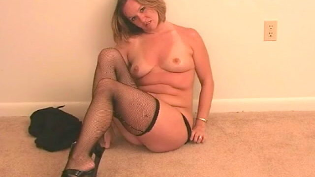 Excellent Light-haired Wifey Tessa Disrobing Ebony Lingeria And Taunting Us Together With Her Tights