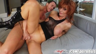 Mummy Factor Sandy-haired Cougar Will Get Her Mature Puss Torn Up